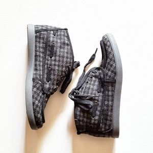roxy black and grey plaid tie up bootie
